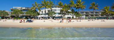 noosa heads luxury beachfront accommodation resorts apartments