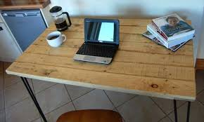 fabriquer un bureau en palette bureau en palette modèles diy et tutoriel pour le fabriquer soi même