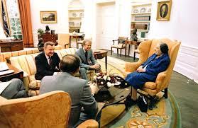 Trump Oval Office Decoration Cote De Texas President Trump U0027s New Oval Office Decor