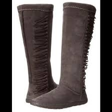 ugg s mammoth boots 60 ugg shoes uggs mammoth fringe boots size 6 from v s