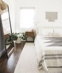 minimal decor minimalist bedroom design best 25 minimalist bedroom ideas on