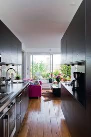 cuisine couloir cuisine ouverte sur la salle à manger 50 idées gagnantes dining