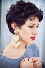 astonishing 1000 ideas about curly pixie haircuts on pinterest