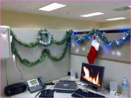 Decorate Office Cabin Tubes You Can Turn Your Cubicle Into A Log Cabin This Cubicle