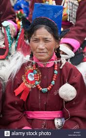 ladakh clothing leh ladakh india tibetan woman in traditional clothing ladakh