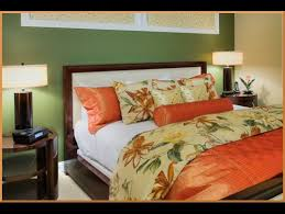 Tropical Bedroom Designs Tropical Bedding Bedroom Tropical With Beige Grasscloth Beige Bedding