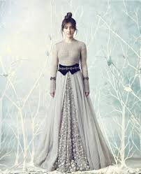 neha sharma is giving a wonderful dressing idea for new brides in