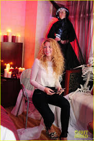 jesus adrian romero halloween gossip spain blake lively en la suite especial para