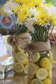 Baby Shower Table Centerpieces by Best 25 Spring Baby Showers Ideas On Pinterest Shower
