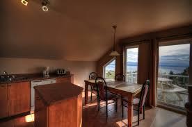 location salle avec cuisine chalet à louer le pied de vent location chalet charlevoix