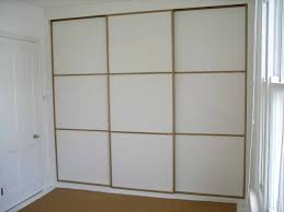 Japanese Style Closet Doors Wouldn T Mind Replacing The Crappy Bi Fold Closet Doors In Our