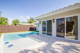 captivating fully renovated designer pool home in knoll ridge