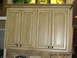 white distressed kitchen cabinets antique white distressed kitchen cabinet ideas distressed country