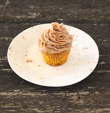 Pumpkin Cupcakes by Pumpkin Cupcakes With Cinnamon Chocolate Buttercream Frosting
