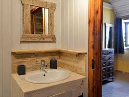 using old pallets for bathroom pallet wood projects wood pallet