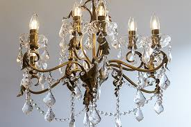 Get The Traditional Chandelier Look With Led Filament Candle Bulbs