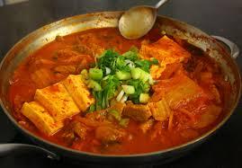 cara membuat pancake kimchi kimchi stew kimchi jjigae recipe maangchi com