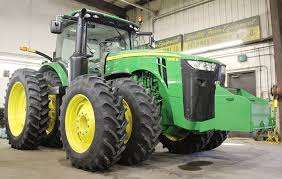 john deere tractor game 8335r john deere tractor john deere l la new holland t6 john deere bigger machines bigger farms albert lea tribune