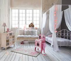 10 thèmes pour décorer la chambre d enfant