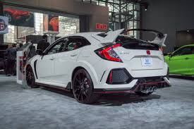 honda hatchback type r the 2017 honda civic type r likely costs less than 34 000 roadshow