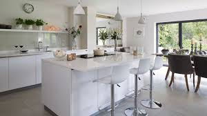 white modern kitchens pick the right lighting to prevent a glossy white kitchen looking