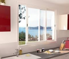 fenetre cuisine coulissante 6 raisons d opter pour une fenêtre coulissante aluminium de