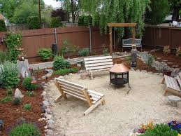 Cheap Backyard Landscaping by Best 25 Sand Backyard Ideas On Pinterest Sand Fire Pits