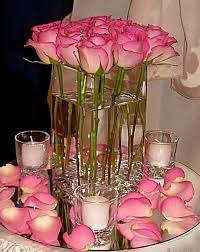 Centerpieces For Wedding Pink Roses Centerpiece Buscar Con Google Yaira Pinterest