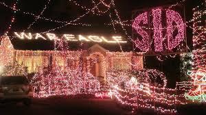 christmas lights in alabama clark griswold lives crestline home ablaze in christmas lights