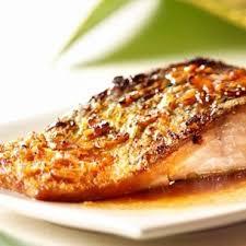 cuisiner pave de saumon saumon miel et piment d espelette cuisine plurielles fr
