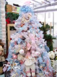 blue christmas tree decorating ideas adding cool elegance to
