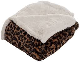 Sherpa Rug Amazon Com Lavish Home Throw Blanket Fleece Sherpa Giraffe