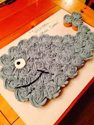 the best cupcake cake ideas whale cupcakes cake and pull apart cake