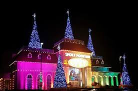 christmas light show pigeon forge tn holiday fun tennessee great smoky mountains