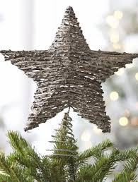 Heavy Metal Christmas Tree Decorations by Best 25 Modern Christmas Trees Ideas On Pinterest Modern
