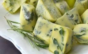 plat cuisiné à congeler pourquoi devriez vous congeler des herbes fraîches avec de l huile d