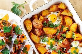 egg recipes for dinner eggs baked in patatas bravas