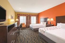Comfort Suites Tulsa La Quinta Inn U0026 Suites Tulsa Airport Expo Square 2017 Room