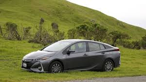 world auto toyota real world driving in the toyota prius prime here u0027s how it fares