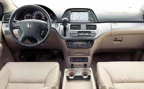 2005 honda odyssey interior 2005 honda odyssey road test drive motor trend magazine