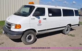 dodge maxi 2002 dodge ram wagon b3500 maxi passenger item f2039