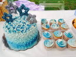 pastel frozen betún sabor vainilla pan arcoíris cumpleaños