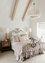 35 idées déco shabby chic pour une chambre de fille shabby