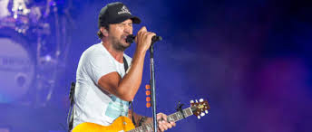 luke bryan kill the lights luke bryan with little big town and dustin lynch kill the lights