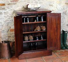 Tall Shoe Cabinet With Doors by Best 10 Outdoor Shoe Storage Ideas On Pinterest Diy Shoe