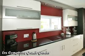 comptoir de cuisine noir comptoir de granit et quartz comptoirs de cuisine en granit