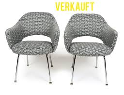 2 eero saarinen executive side chairs for knoll
