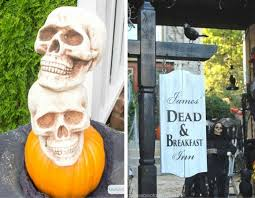 Simple Outdoor Halloween Decorations by Best 20 Spooktacular Outdoor Halloween Decorations Simple Sojourns