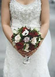 average cost of a wedding bouquet how much do wedding centerpieces