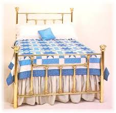 Ello Bedroom Furniture Brass Bedroom Furniture Stunning Brass And Bronze Mirrored Bed Set